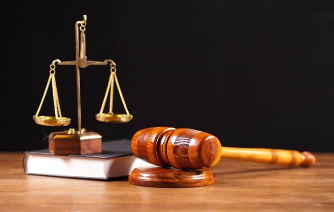 Penjelasan dan pengertian filsafat hukum