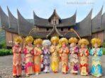 Budaya lokal dan pengaruh budaya asing