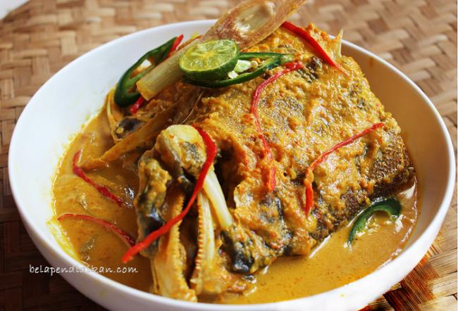 ikan woku belanga khas manado