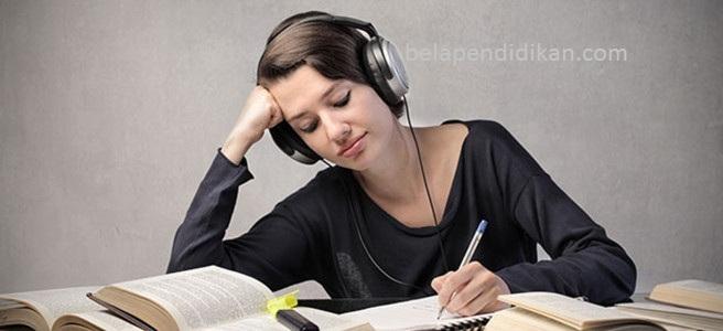 iringi membaca dengan musik