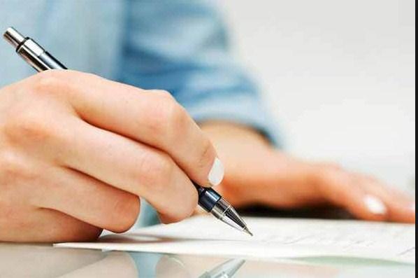 Penulis yang baik bukan dinilai dari seberapa banyak karyanya, namun karna karyanya berguna bagi banyak orang