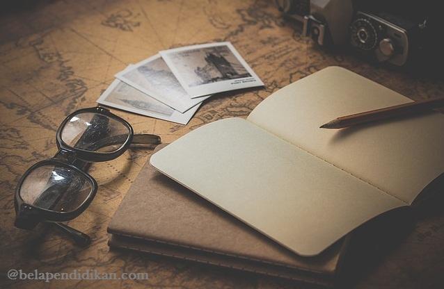 dengan menulis membuatmu lebih percaya diri