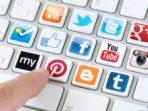 Social media merupakan jejaring sosial yang sangat disenangi orang. Sosial media merupakan dunia kedua dari aktivitas manusia