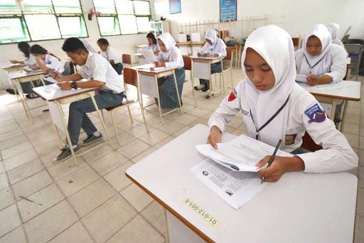 apakah ujian nasional berfaedah atau tidak ?