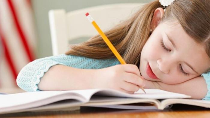 Pemberian tugas yang berlebihan saat belajar online dirumah