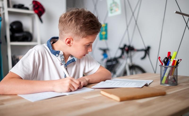 Upgrade kualitas pendidikan dengan belajar dirumah saja