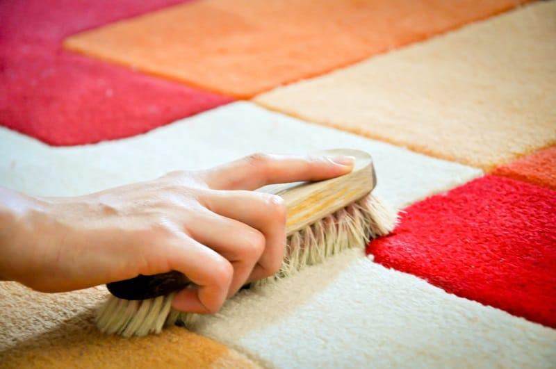 tips dan cara mencuci karpet lantai