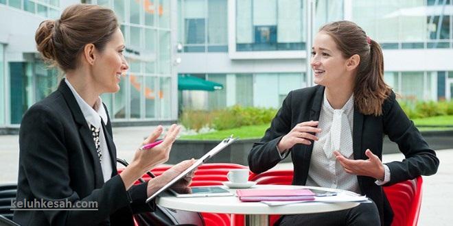 latih komunikasi dengan orang lain