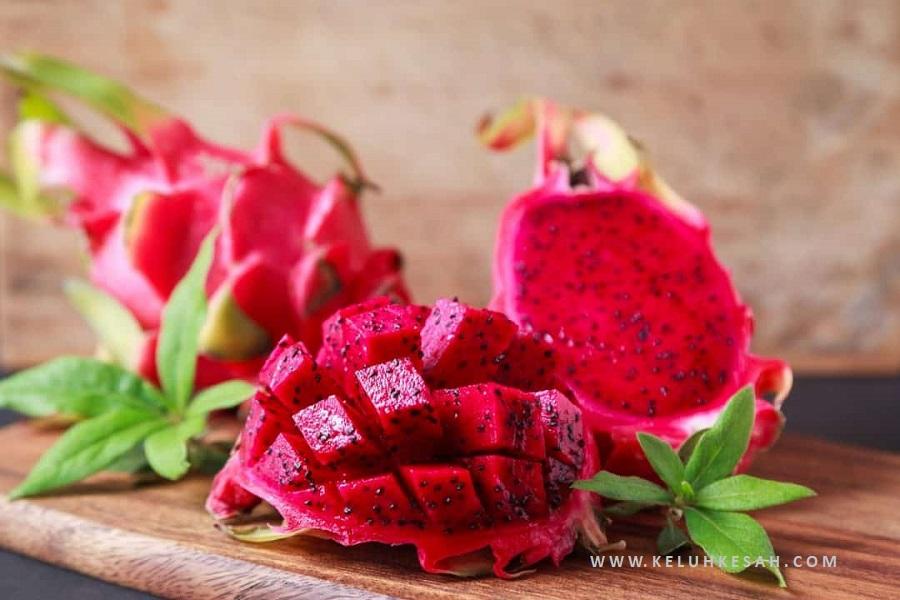 manfaat dan kandungan gizi buah naga